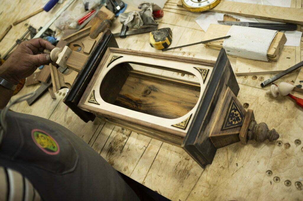 renowacja skrzyni zegara