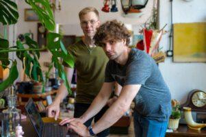 Marek i Janek przy komputerze w Look Inside 2020