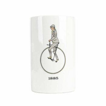 Kubekl Thomas z monocyklem