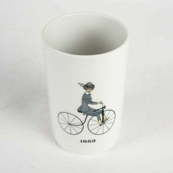 Kobieta na rowerze 1853